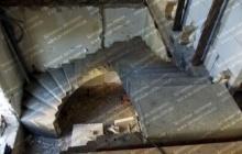 Поворотная лестница из бетона