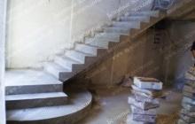 Оригинальная монолитная лестница из бетона