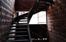 Монолитная бетонная лестница на косоуре