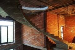 Голосеевка монолитная лестница для дома