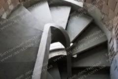 Монолитная лестница на тетивах