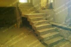 Изготовление лестницы из бетона для подвала