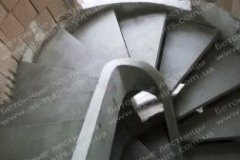 Тетива лестница из бетона для дома