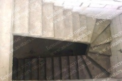 П-образная бетонная лестница для дома