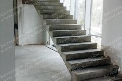 Изготовление бетонной прямой лестницы Ирпень