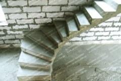Бетонная криволинейная лестница