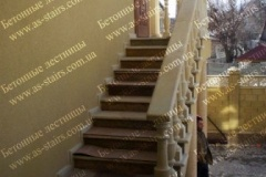 Бетонная лестница для дачи