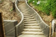 Изготовление бетонных лестниц для дачи