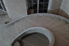 Круглая бетонная лестница
