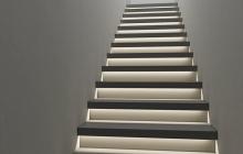 Лестница из бетона сподсветкой